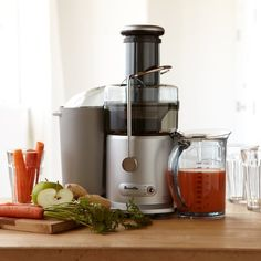 Williams Sonoma's juice makers feature multiple speeds to handle fruits and crisp vegetables. Find the best juicer machines, electric juicers and juice extractors at Williams Sonoma. Detox Diet Drinks, Detox Juice Recipes, Juice Cleanse, Detox Juices, Cleanse Recipes, Detox Foods, Health Cleanse, Cleanse Diet, Water Recipes