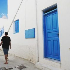 ❤ @lokiec .  .  .  .  .  .  .  .  .  .  .  .  .  #oia #santoriniisland #santorini #greece #greek #view #island #bluesky #travelblogger #travel #fashionblogger #fashionista #kinfolkmag #kinfolk #lifestyle #liveauthentic #architecture #iglady #minimalist #plants #mylove #vacation #summervibes #interiordesign #morninglikethese #viewporn #chillin #igersisrael
