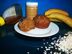 A very healthy muffin recipe since it is vegan, sugar-free and uses unrefined products. Healthy Muffin Recipes, Healthy Muffins, Vegan Breakfast Recipes, Chana Flour, Soy Milk Powder, Vinegar Uses, Oat Muffins, Banana, Yummy Food