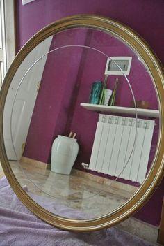 Espejo pintado en oro y con patina negra para envejecer