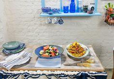 Receitas Panelinha: salada grega e salada de grão-de-bico com cenoura e cebola assados