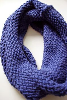 Carina M Creations: Easy Knitting Loom Infinity Scarf Tutorial