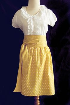 Taking notes skirt.  Full tutorial!  I love this skirt!  Right down to the yellow with polkadots!