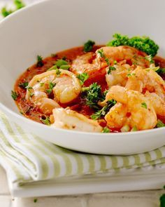 Scampi met groententomatensaus Crab Stuffed Shrimp, I Want Food, Good Food, Yummy Food, Shrimp Recipes, Fish And Seafood, Macaroni And Cheese, Food And Drink, Healthy Recipes