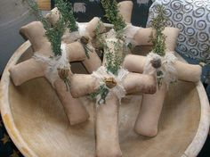 LOVE these Easter crosses