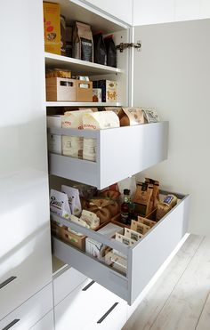 Practical Internal Pull Out. – Type Of Kitchen Storage Clever Kitchen Storage, Fridge Storage, Kitchen Organisation, Kitchen Storage Solutions, Kitchen Drawers, Kitchen Pantry, Diy Storage, New Kitchen, Kitchen Decor