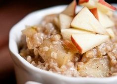 Clean Eating Apple Pie Oatmeal - Delicious recipes from united states