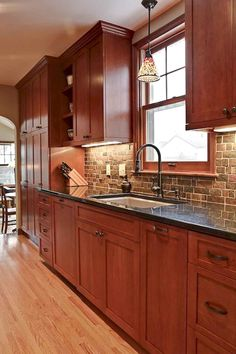 Exceptional Ideas of The Cherry Kitchen Cabinets in Modern Kitchen ~ Gorgeous House New Kitchen Cabinets, Kitchen Cabinet Design, Kitchen Redo, Kitchen Interior, Kitchen Backsplash, Kitchen Ideas, Backsplash Ideas, Kitchen Countertops, Dark Countertops
