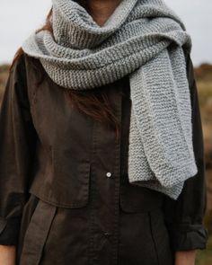 ece04baa0cd2 Tricoter une écharpe   12 modèles qui nous font craquer Chapeau Crochet,  Tricot Crochet,
