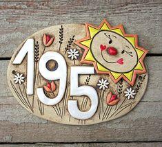 Keramické domovní číslo na míru / Zboží prodejce ZARIA | Fler.cz Ceramics Projects, Clay Projects, Projects To Try, Pottery Houses, Ceramic Houses, Ceramic Design, Ceramic Art, Ceramic House Numbers, Russian Folk Art