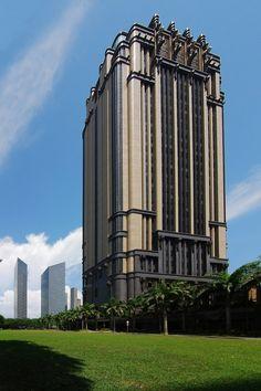 Parkview Square in Singapore - Art Deco skyscraper - Parkview Square is an office building located in the Downtown Core Planning Area, Central Region, Singapore. Art Deco Buildings, Modern Buildings, Beautiful Buildings, Office Buildings, Design Hotel Paris, Art Nouveau, Architecture Design, Architecture Panel, Architecture Portfolio