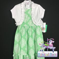 Beautiful dress NWT Counting Daisies dress. Green & White w/shrug. $24.99