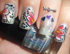 One Stroke Flowery Holo Nails! http://youtu.be/bfFseO6nI2g    #nails #nailart #holonails #holographic #onestroke #floralnailart
