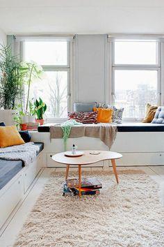design möbel couchtisch holz zimmerpflanzen