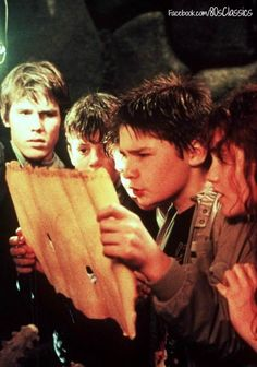 The Goonies watching old movies. 1980s Films, 80s Movies, Good Movies, Movie Tv, Iconic Movies, Rainy Day Movies, Nostalgia 70s, Chris Columbus, Stranger Things Have Happened