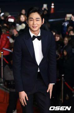 Lee Won-geun - 2015 KBS Drama Awards Lee Won Geun, Kbs Drama, Cheer Up, S Man, Korean Actors, Korean Drama, Awards, Daddy, Celebs