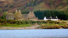 Glenelg, Kyle of Lochalsh, Ross-shire - Barracks Cottage and barracks ruins