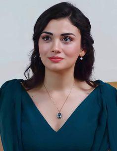 Turkish Women Beautiful, Turkish Beauty, Indian Beauty, Girl Pictures, Girl Photos, Pretty Girl Face, Danielle Campbell, Beautiful Girl Photo, New Girl