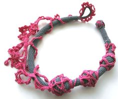 Crochet necklace, LINDO!!!!