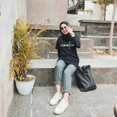 Style Hijab Casual Gendut 66 Ideas For 2019 Modest Fashion Hijab, Modern Hijab Fashion, Casual Hijab Outfit, Hijab Fashion Inspiration, Winter Fashion Casual, Ootd Hijab, Casual Outfits, Fashion Outfits, Rihanna Outfits