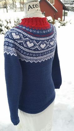 Mariusgenser med hjerter, Marius-sweater with hearts and false braiding.