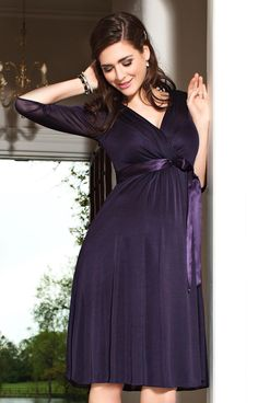Are you finding perfect Plus Size maternity dress for you? Check Cute Maternity Dresses for Special Occasion, Evening Dress, Formal Gowns, Casual & Prom Dresses 2020 Maternity Evening Wear, Plus Size Maternity Dresses, Maternity Gowns, Maternity Fashion, Maternity Wedding, Maternity Style, Tiffany Rose, Pregnant Wedding Dress, Nursing Dress