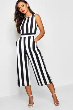 Kanye West Outfits, Striped Jumpsuit, Black Jumpsuit, Striped Pants, Style Audacieux, Petite Jumpsuit, Jumpsuits For Girls, Jumpsuits & Rompers, Fashion Jumpsuits