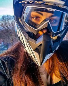 It is all about eyes. Bike Helmets, All About Eyes, Motorbikes, Biker, Motorcycle, Girls, Instagram, Italia, Little Girls