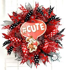 Valentine Deco Mesh Wreath - Mini Mouse - #Cute - Valentine Wreath - Valentine Decor - Door Decor - Wreath by WreathsEtcbyLisa on Etsy