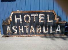 Hotel Ashtabula Sign