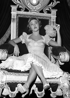 Jane Powell celebrates her birthday today, here on the set of ROYAL WEDDING Golden Age Of Hollywood, Hollywood Stars, Classic Hollywood, Peggy Ann Garner, Ann Sothern, Helen Rose, Jane Powell, Hollywood Costume, Ann Miller