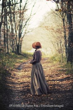 © Susan Fox / Trevillion Images - historical-woman-on-country-path