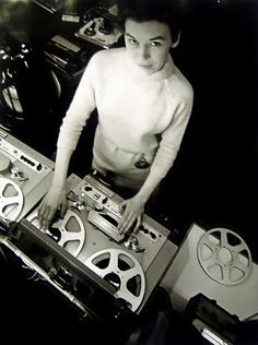 Delia Derbyshire next to one of the Radiophonic Workshop Philips EL-3503 machines. Delia Derbyshire was a pioneering composer of electronic music who worked at the BBC Radiophonic Workshop from 1960-1973.