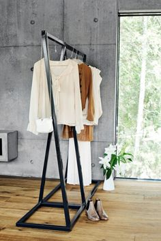 For Sale on Clippings - Wardrobes, Lume coat stand. The all-in-one platform to deliver interior design projects. Minimalist Furniture, Minimalist Interior, Minimalist Decor, Boutique Interior, Free Standing Coat Rack, Interior Design Process, Clothes Stand, Showroom Design, Garment Racks