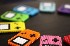 Game Boy with Hama beads. Cute Crafts, Crafts To Do, Bead Crafts, Crafts For Kids, Diy Crafts, Magnets Crafts, Game Boy, Hama Beads Patterns, Beading Patterns