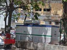 Lucknow: -  फैजुल्लागंज में ट्रांसफर फुंकने से सुबह से शाम तक बिजली गुल.  - ठाकुरगंज के आजादनगर में केबल में खराबी आने से देर रात तक बिजली के लिए लोग तरसते रहे.  - इंजीनियरिंग कॉलेज से जुड़े फैजुल्लागंज...