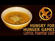 Schmestresses' Hungry for Hunger Games: Capitol Pumpkin Soup - How perfert is this for a cold autumn night!?!