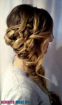 Peinado - Novias - Trenza espiga.  Realizado por Stell Kraševac para Bendito Make Up.