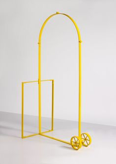 Jimmie Durham / arc de triomphe for personal use (yellow), 2007