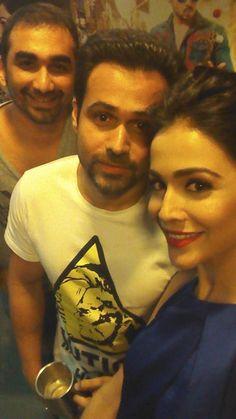 Here's an exclusive selfie of #EmraanHashmi, #HumaimaMalick and director #KunalDeshmukh during #RajaNatwarlal promotions