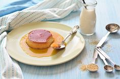 Flan Recipe (Creme Caramel): inherited from the Spaniards and common in all Latin America also deserved to be in our collection. Dominican Food, Dominican Recipes, Biscotti, Nutella, Creme Caramel, Latin Food, Eat Cake, Food Videos, Leche Flan