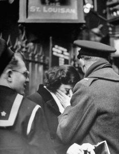 Amor y despedidas en tiempos de Guerra. Archivo de LIFE Magazine