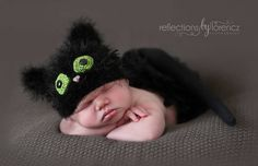 Make this cute fuzzy kitty hat for Halloween, or any time! Get the free crochet pattern from Crochet by Jennifer on Ravelry!
