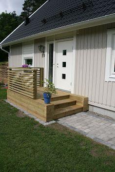 Entretrappa Small Backyard Decks, Backyard Bar, Backyard Retreat, Decks And Porches, Backyard Landscaping, Porch Stairs, Front Stairs, Patio Deck Designs, Patio Design