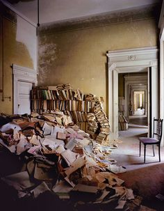 Abandonned library in Napoli, Italy. .