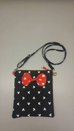 Disney Minnie Mouse purse messenger/cross body bag by GergenBags