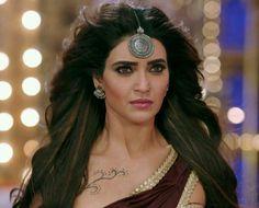 Karishma tanna Art World, Beauty Women, Bollywood, Indian, Actors, Drop Earrings, Fashion, Moda, La Mode