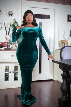 Laura Byrnes California Beatrix Gown in Emerald Green Velvet | Pinup Girl Clothing #pinup #pinupgirl #pinupgirlclothing #tistheseason #holidayshopping #holidaydresses #holiday #cocktaildresses #sleigh #newyear
