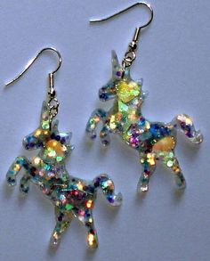 Sparkling crystal glitter unicorn earrings by ToxicGlamour on Etsy Unicorn And Glitter, Real Unicorn, Unicorn Art, Magical Unicorn, Rainbow Unicorn, Party Unicorn, Unicorn Gifts, Laura Lee, Unicorn Jewelry