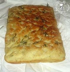 very soft rosemary focaccia-focaccia al rosmarino sofficissima very soft rosemary focaccia - Focaccia Pizza, Calzone, Pan Relleno, My Favorite Food, Favorite Recipes, Good Food, Yummy Food, Pizza Dough, Bread Baking
